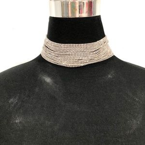 Jewelry - BNWT crystal choker necklace
